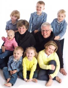 Charlie and Gaytha Hillman with their seven grandchildren